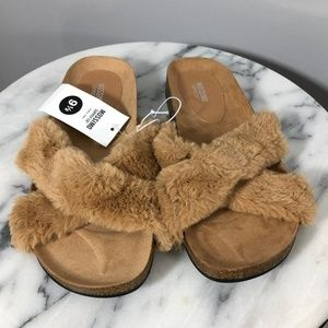 Target Mossimo Tan Furry Flat Sandals Size 9.5 NEW